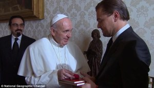 38d8706c00000578-3810251-heavy_hitters_the_actor_41_was_also_seen_meeting_with_the_pope_i-m-12_1475001886464